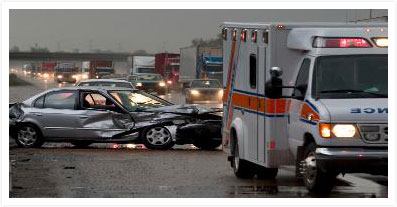 image of car crash with emergency responders